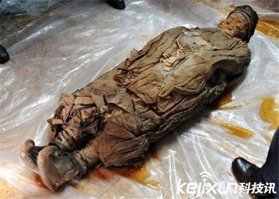 明代女屍寬衣解帶後的驚人發現